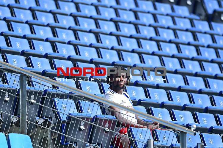Gideon Jung (HSV)<br /> Hamburg, 28.06.2020, Fussball 2. Bundesliga, Hamburger SV - SV Sandhausen<br /> Foto: Tim Groothuis/Witters/Pool//via nordphoto<br />  DFL REGULATIONS PROHIBIT ANY USE OF PHOTOGRAPHS AS IMAGE SEQUENCES AND OR QUASI VIDEO<br /> EDITORIAL USE ONLY<br /> NATIONAL AND INTERNATIONAL NEWS AGENCIES OUT