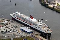 Deutschland, Hamburg,  Hafencity,  Queen Mary 2, Kreuzfahrtschiff, Grassbrook, Elbe, Kreuzfahrt Terminal
