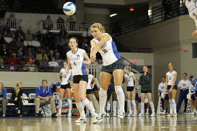 The UK Women's Volleyball team played Tennessee on Wednesday night, October 21, 2009. The Wildcats lost.