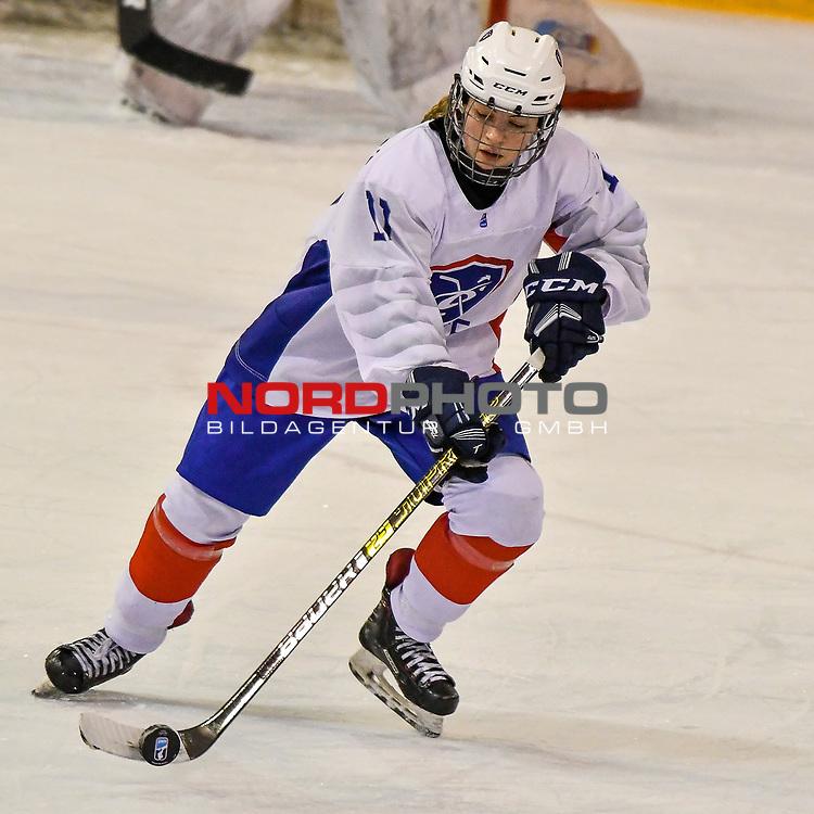 03.01.2020, BLZ Arena, Füssen / Fuessen, GER, IIHF Ice Hockey U18 Women's World Championship DIV I Group A, <br /> Frankreich (FRA) vs Japan (JPN), <br /> im Bild Isabelle de Liberti (FRA, #11)<br /> <br /> Foto © nordphoto / Hafner