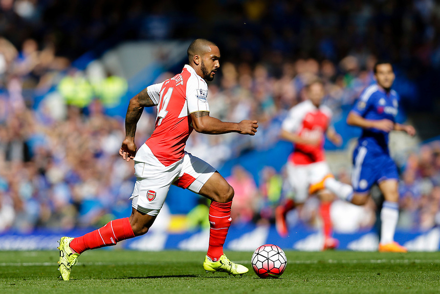Arsenal's Theo Walcott in action during todays match  <br /> <br /> Photographer Craig Mercer/CameraSport<br /> <br /> Football - Barclays Premiership - Chelsea v Arsenal - Saturday 19th September 2015 - Stamford Bridge - London<br /> <br /> &copy; CameraSport - 43 Linden Ave. Countesthorpe. Leicester. England. LE8 5PG - Tel: +44 (0) 116 277 4147 - admin@camerasport.com - www.camerasport.com