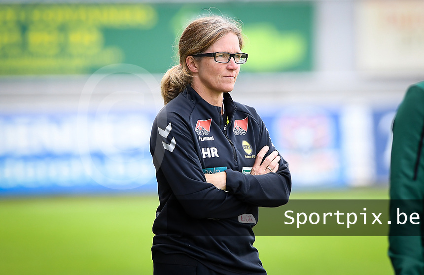 20190813 - DENDERLEEUW, BELGIUM : LSK's head coach Hege Riise pictured during the female soccer game between the Greek PAOK Thessaloniki Ladies FC and the Norwegian LSK Kvinner Fotballklubb Ladies , the third and final game for both teams in the Uefa Womens Champions League Qualifying round in group 8 , Tuesday 13 th August 2019 at the Van Roy Stadium in Denderleeuw  , Belgium  .  PHOTO SPORTPIX.BE for NTB | DAVID CATRY