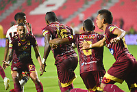 IBAGUÉ- COLOMBIA,19-10-2019:Sergio Mosquera jugador del Deportes Tolima celebra después de anotar un gol al Cúcuta Deportivo durante  partido por la fecha 18 de la Liga Águila II 2019 jugado en el estadio Manuel Murillo Toro de la ciudad de Ibagué. /Sergio Mosquera player of Deportes Tolima celebrates after scoring a goal agaisnt Cucuta Deportivo during the 18 date  match for  the Liga Aguila II 2019 played at the Manuel Murillo Toro stadium in Ibague city. Photo: VizzorImage / Juan Carlos Escobar  / Contribuidor