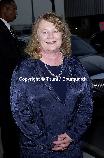 """Shirley Knight arriving at the """" My Louisana Sky """" premiere  at the Writer Guild Theatre in Los Angeles  5/1/2001  © Tsuni          -            KnightShirley05.jpg"""