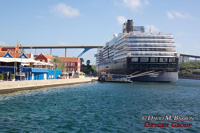 Cruise Ship, Otrobanda