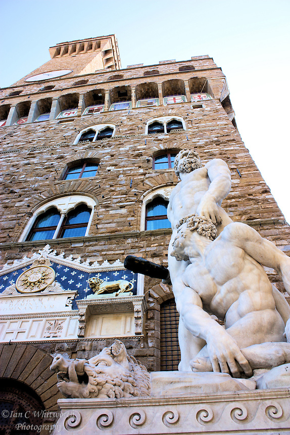 View of the Hercules and Cacus sculpture at the Piazza della Signoria in Florence