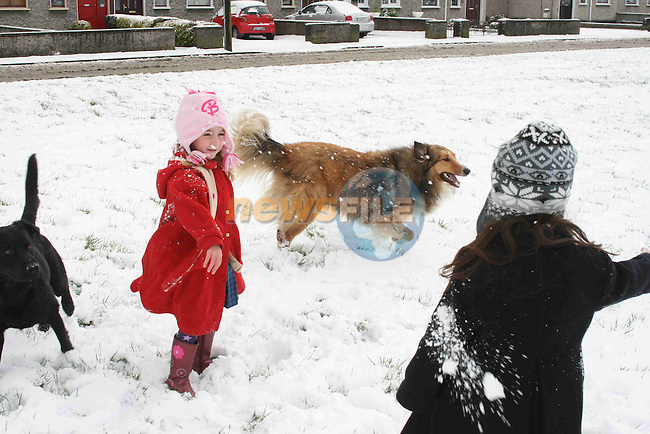 Snow in Drogheda....Photo NEWSFILE/Jenny Matthews.(Photo credit should read Jenny Matthews/NEWSFILE)....This Picture has been sent you under the condtions enclosed by:.Newsfile Ltd..The Studio,.Millmount Abbey,.Drogheda,.Co Meath..Ireland..Tel: +353(0)41-9871240.Fax: +353(0)41-9871260.GSM: +353(0)86-2500958.email: pictures@newsfile.ie.www.newsfile.ie.FTP: 193.120.102.198.