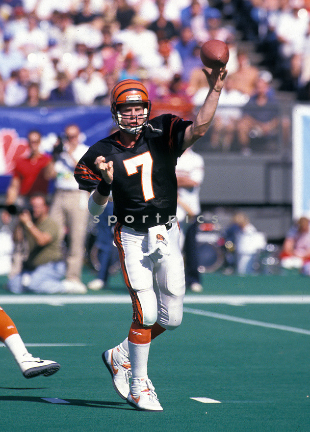 CIncinnati Bengals Boomer Esiason(7) in action during a game from his career at with the Bengal at Riverfront Stadium in CIncinnati, Ohio. Boomer Esiason play for 14 seasons with 3 different teams and was a 4-time Pro Bowler.