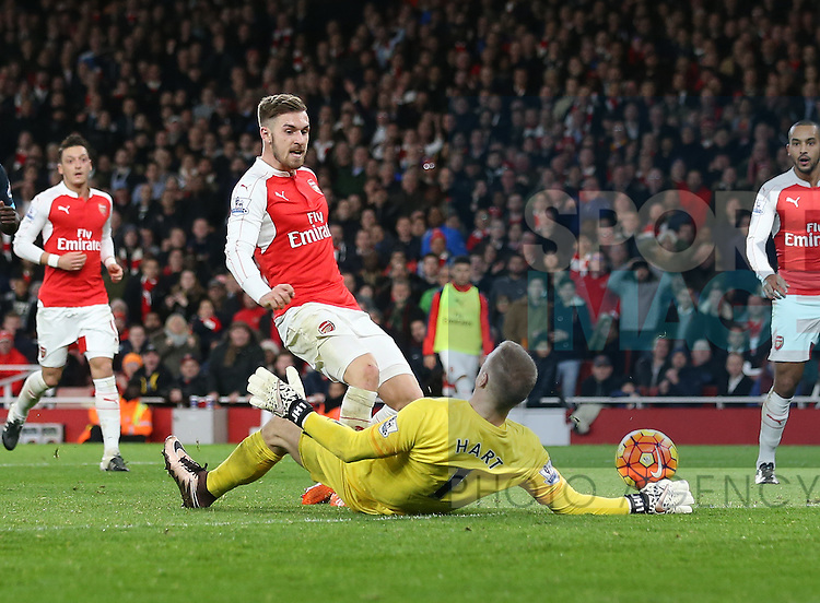 Arsenal's Aaron Ramsey sees his shot saved by Manchester City's Joe Hart<br /> <br /> Barclays Premier League- Arsenal vs Manchester City - Emirates Stadium - England - 21st December 2015 - Picture David Klein/Sportimage