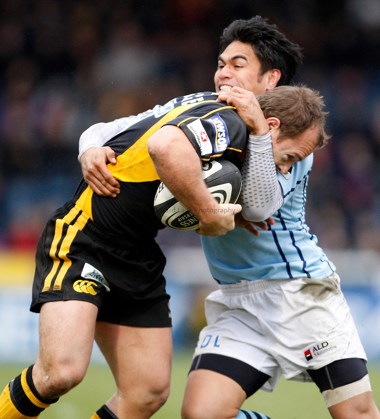 Photo: Richard Lane/Richard Lane Photography. .London Wasps v Bristol Rugby. Guinness Premiership. 23/02/3008. Wasps' Mark Van Gisbergen is tackled by Bristol's David Lemi.