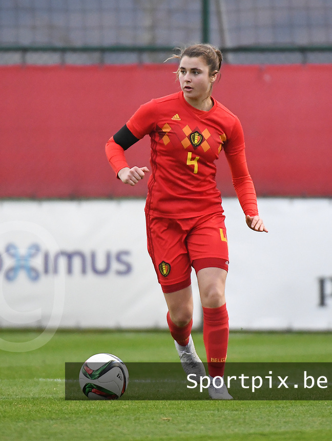 20181205 - TUBIZE , BELGIUM : Belgian Auke Swevers pictured during the friendly female soccer match between Women under 15 teams of  Belgium and Gemany , in Tubize , Belgium . Wednesday 5 th December 2018 . PHOTO SPORTPIX.BE / DIRK VUYLSTEKE