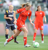 Washington Freedom (9) Allie Long during before a game against  the Los Angeles Sol at the Home Depot Center in Carson, CA on Sunday, March 29, 2009..