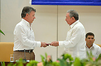 LA HABANA - COLOMBIA, 31-12-2011 Juan Manuel Santos, Presidente de Colombia es recibido por Raul Castro, Presidente de Cuba, hoy 23 de septiembre de 2015, previo al anuncio del acuerdo entre el Gobierno de Colombia y las Farc para poner fin al conflicto armado en Colombia./ Juan Manuel Santos, President of Colombia, is received by Raul Castro, President of Cuba, today 23 september 2015, prior the announcement of the agreetment between Colombia Government and left guerrillas of Farc to give the end of the armed conflict in Colombia. Photo: VizzorImage /  César Carrión - SIG / HANDOUT PICTURE; MANDATORY EDITORIAL USE ONLY/ NO MARKETING, NO SALES