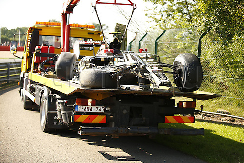 21.08.2015. Spa Francorchamps, Belgium. Formula One World Championship. The car of 13 Pastor Maldonado (VEN, Lotus F1 Team) is brought back to the pit area after a major crash
