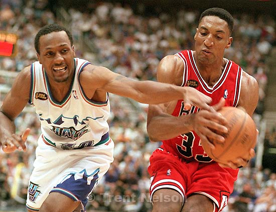 Shandon Anderson reaches in on Scottie Pippen at Jazz vs. Bulls game 2, NBA Finals. Bulls won.<br />