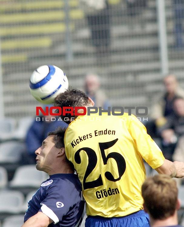 RLN  05 / 06-  11.Spieltag - Hinrunde<br /> <br /> Wuppertaler SV Borussia -  BSV Kickers Emden<br /> <br /> <br /> <br /> Marc NArewsky vom Wuppertaler SV Borussia im Zweikampf um den Ball gegen Oliver Gloeden.vom Kickers Emden<br /> <br /> <br /> <br /> <br /> <br /> Foto &copy; nordphoto <br /> <br /> <br /> <br />  *** Local Caption *** Foto ist honorarpflichtig! zzgl. gesetzl. MwSt.<br />  Belegexemplar erforderlich