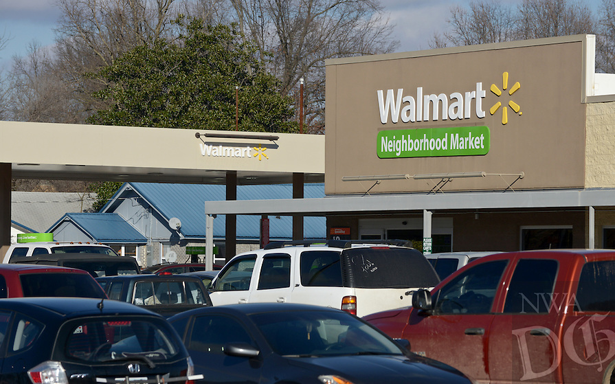 NWA Democrat-Gazette/BEN GOFF @NWABENGOFF<br /> A view of the Walmart Neighborhood Market on Friday Jan. 15, 2016 in Gravette. Friday morning Wal-Mart Stores, Inc. announced it planned to close 154 stores in the U.S., including the one in Gravette.