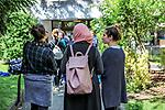 Gen&egrave;ve, le 15.05.2017<br /> De nombreux étudiants se sont réunis dans la cour de la HETS pour protester contre la discrimination dont fait l&rsquo;objet leur camarade voilée. <br /> L&rsquo;étudiante n&rsquo;arrive pas à décrocher un stage professionnel, pourtant obligatoire pour continuer ses études<br /> &copy; Le Courrier / J.-P. Di Silvestro