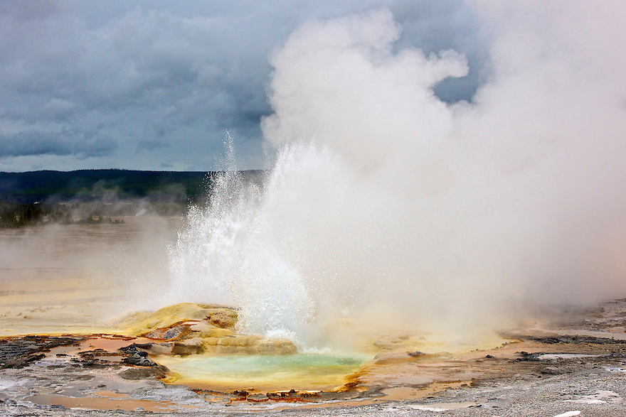 North America, USA, Wyoming, Yellowstone National Park, Clepsydra Geyser