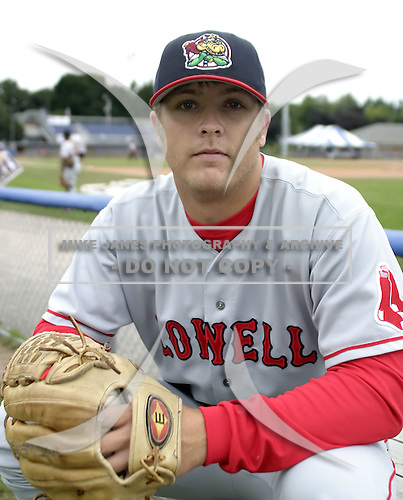 August 7, 2004:  Pitcher Mike James of the Lowell Spinners, Single-A NY-Penn League affiliate of the Boston Red Sox, during a game at Dwyer Stadium in Batavia, NY.  Photo by:  Mike Janes/Four Seam Images