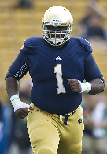 August 31, 2013:  Notre Dame Fighting Irish defensive lineman Louis Nix III (1) during NCAA Football game action between the Notre Dame Fighting Irish and the Temple Owls at Notre Dame Stadium in South Bend, Indiana.  Notre Dame defeated Temple 28-6.