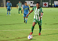 MONTERIA - COLOMBIA, 02-09-2018: Jeison Steven Lucumi, jugador de Nacional, en acción durante partido entre Jaguares de Córdoba y Atletico Nacional por la fecha 7 de la Liga Águila II 2018 jugado en el estadio Municipal de Montería. / Jeison Steven Lucumi, player of Nacional, in action during the match between Jaguares of Cordoba and Atletico Nacional for the date 7 of the Liga Aguila II 2018 at the Municipal de Monteria Stadium in Monteria city. Photo: VizzorImage / Andres Felipe Lopez / Cont