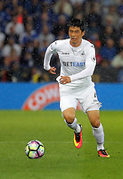 Pictured: Ki Sung-Yueng of Swansea City Saturday 27 August 2016<br /> Re: Swansea City FC v Leicester City FC Premier League game at the King Power Stadium, Leicester, England, UK