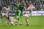 15.04.2018, Weser Stadion, Bremen, GER, 1.FBL, Werder Bremen vs RB Leibzig, im Bild<br /> <br /> Willi Orban (RB Leipzig #04)<br /> Ishak Belfodil (Werder #29)<br /> Diego Demme (RB Leipzig #31)<br /> <br /> Foto &copy; nordphoto / Kokenge