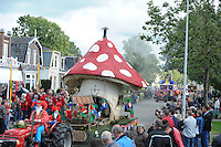 ALGEMEEN: DE KNIPE: Meijerweg, 06-10-2012, Knypster Merke, Allegorische optocht, 80e editie, 'Kabouter Plop' (#4), ©foto Martin de Jong
