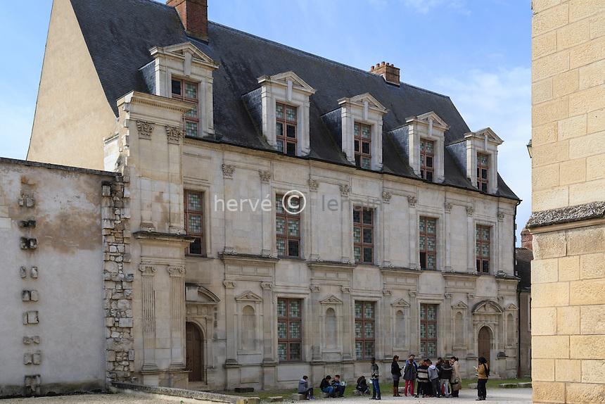 France, Yonne (89), Joigny, le château des Gondi // France, Yonne, Joigny, Gondi castle