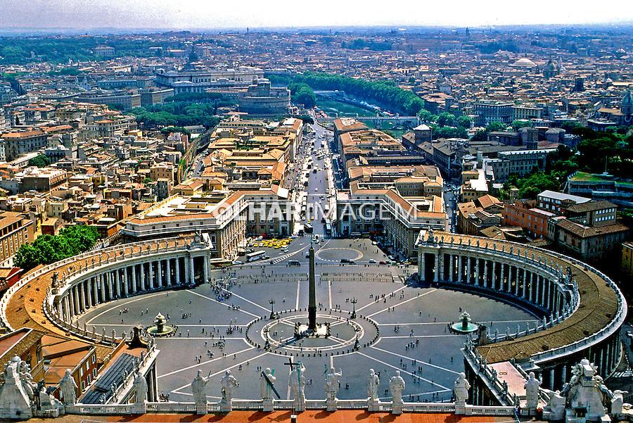Praça de São Pedro no Vaticano, Roma, Itália. 1993. Foto de Dudu Cavalcanti.