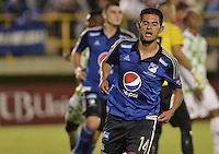TUNJA -COLOMBIA, 13-09-2015. David Silva (Izq) jugador de Millonarios celebra su segundo gol anotado a Boyacá Chicó durante partido por la fecha 12 Liga Àguila II 2015 jugado en el estadio La Independencia en Tunja. / David Silva (L) player of Millonarios celebrates his second goal scored to Boyaca Chico during match for the 12th date of Aguila League II 2015 played at La Independencia stadium in Tunja. Photo: VizzorImage / Gabriel Aponte / Staff