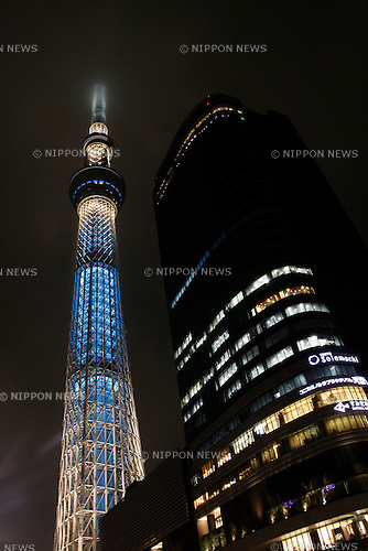 May 23, 2012, Tokyo, Japan - Tokyo Skytree is illuminated with millions of LED lights that alternate between sky blue and purple in Tokyo on Wednesday night, May 23, 2012. Tokyo Skytree, the world's tallest broadcasting tower, and Tokyo Skytree Town commercial complex surrounding the tower opened to the public on May 22, 2012. (Photo by Hiroyuki Ozawa/AFLO) [2178] -ty-