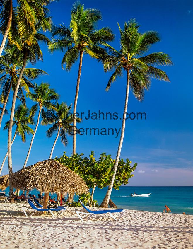 Dominikanische Republik, Bayahibe, Coral Canoa Resort Strand   Dominican Republic, Bayahibe, Coral Canoa Resort beach