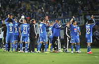 BOGOTA - COLOMBIA -11 -05-2014: Los jugadores de Millonarios al termino del partido Millonarios y Atletico Junior de vuelta por las semifinales de la Liga Postobon I 2014, jugado en el estadio Nemesio Camacho El Campin de la ciudad de Bogota. / The players of Millonarios at the end of a match between Millonarios and Atletico Junior for the second leg of the Liga Postobon I 2014 at the Nemesio Camacho El Campin Stadium in Bogota city. Photo: VizzorImage /Luis Ramirez / Staff