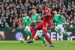 01.12.2018, Weserstadion, Bremen, GER, 1.FBL, Werder Bremen vs FC Bayern Muenchen<br /> <br /> DFL REGULATIONS PROHIBIT ANY USE OF PHOTOGRAPHS AS IMAGE SEQUENCES AND/OR QUASI-VIDEO.<br /> <br /> im Bild / picture shows<br /> Max Kruse (Werder Bremen #10), Jerome / J&eacute;r&ocirc;me Boateng (FC Bayern Muenchen #17), <br /> <br /> Foto &copy; nordphoto / Ewert