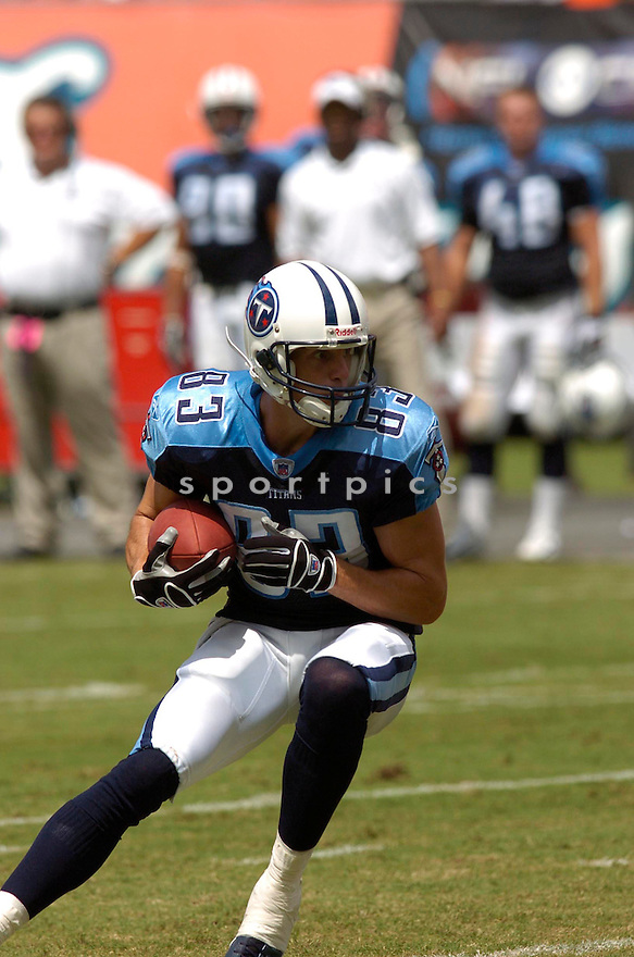 DREW BENNETT, of the Tennessee Titans , during their game against the Miami Dolphins on September 24, 2006 in Miami FL...Dolphins win 13-10..Chris Bernacchi / SportPics.