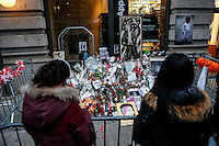 Fans congregated at David Bowie's residence to pay tribute the legendary British rocker in Manhattan,  New York. 14.01.2016.Bowie passed away on Sunday, January 10th at the age of 69 after an 18 month battle with cancer. Kena Betancur/VIEWpress.