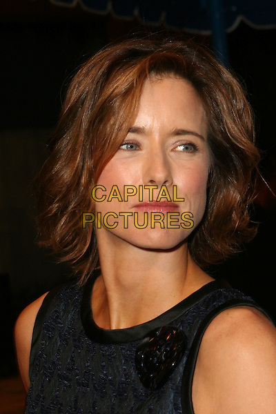 "TEA LEONI .""Fun with Dick and Jane"" Los Angeles Premiere - Arrivals held at the Mann Village Theatre, Westwood, California.  .December 15th, 2005.Photo: Zach Lipp/AdMedia/Capital Pictures.Ref: ZL/ADM.headshot portrait.www.capitalpictures.com.sales@capitalpictures.com.© Capital Pictures."
