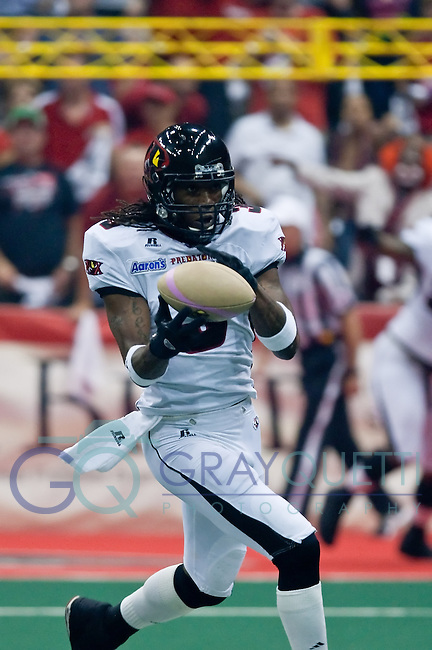 July 29, 2011:  Orlando Predators wr Bobby Sipio (3) catches a pass during first round American Conference playoff action between the Jacksonville Sharks and the Orlando Predators at Jacksonville Veterans Memorial Arena.  Jacksonville defeated Orlando 63-48.......