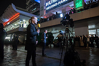 """Protest gegen AfD-Wahlerfolg am Abend der Bundestagswahl am 24. September 2017.<br /> In dem Berliner Club """"Traffic"""" am Alexanderplatz feierte die  Partei Alternative fuer Deutschland (AfD) am Wahlabend den Einzug in den Deutschen Bundestag. Davor versammelten sich ca. 1.500 Menschen und protestierten lautstark gegen die rechtsextreme Partei.<br /> Im Bild: Internationale Presse berichtet live von den Protesten auf der Strasse vor der Wahlfeier.<br /> 24.9.2017, Berlin<br /> Copyright: Christian-Ditsch.de<br /> [Inhaltsveraendernde Manipulation des Fotos nur nach ausdruecklicher Genehmigung des Fotografen. Vereinbarungen ueber Abtretung von Persoenlichkeitsrechten/Model Release der abgebildeten Person/Personen liegen nicht vor. NO MODEL RELEASE! Nur fuer Redaktionelle Zwecke. Don't publish without copyright Christian-Ditsch.de, Veroeffentlichung nur mit Fotografennennung, sowie gegen Honorar, MwSt. und Beleg. Konto: I N G - D i B a, IBAN DE58500105175400192269, BIC INGDDEFFXXX, Kontakt: post@christian-ditsch.de<br /> Bei der Bearbeitung der Dateiinformationen darf die Urheberkennzeichnung in den EXIF- und  IPTC-Daten nicht entfernt werden, diese sind in digitalen Medien nach §95c UrhG rechtlich geschuetzt. Der Urhebervermerk wird gemaess §13 UrhG verlangt.]"""