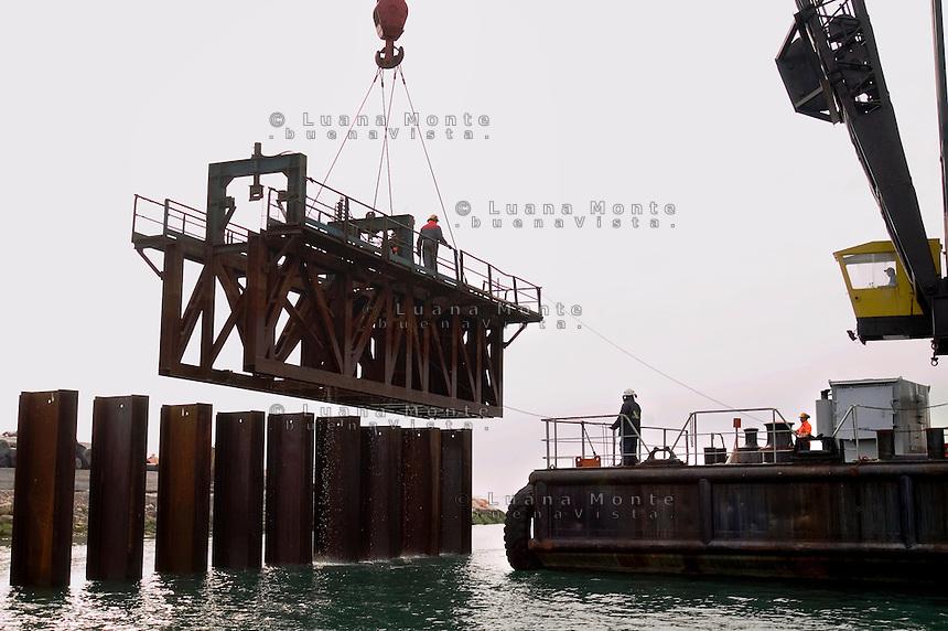 Il Mose in costruzione nei cantieri alla bocca di porto di Chioggia. Venezia, 6 marzo, 2007........   <br /> Building site of Mose at Chioggia. Venice, March 6, 2007