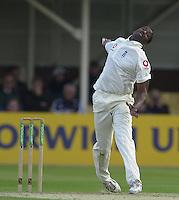 30/05/2002.Sport -Cricket - 2nd NPower Test -First Day.England vs Sri Lanka.Alex Tudor [Mandatory Credit Peter Spurrier:Intersport Images]