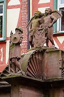 gotischer Engelsbrunnen Brunnen am Marktplatz in Wertheim, Baden-Württemberg, Deutschland