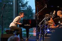 2012-04-20 Tim Garland Trio - movimentos