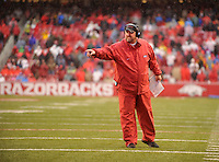 NWA Democrat-Gazette/MICHAEL WOODS • Arkansas coach Bret Bielema talks to the team in the 2nd quarter of Friday's game at Razorback Stadium November 27, 2015.