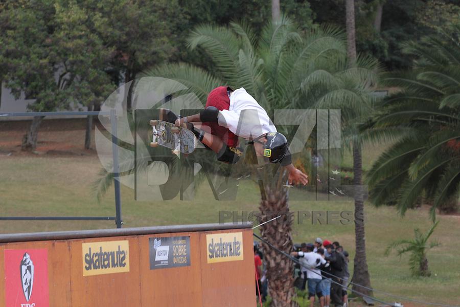 SAO PAULO, SP, 09.08.2014 - SKATE CAMPEONATO - Campeonato de Skate no Museu do Ipiranga na regiao sul de Sao Paulo neste sabado, 09. (Foto: Carlos Pessuto / Brazil Photo Press).