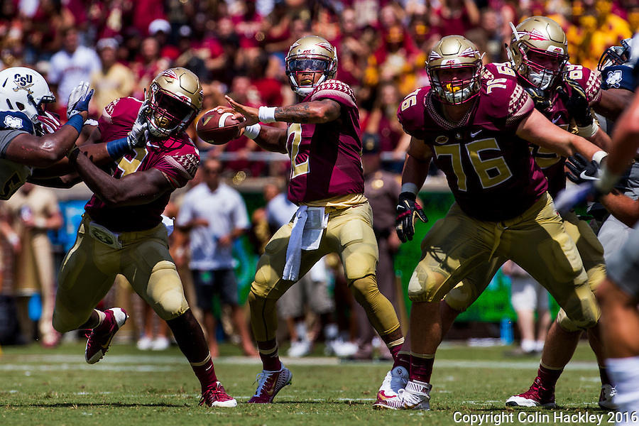 TALLAHASSEE, FLA 9/10/16-Florida State's Deondre Francois looks for a receiver against Charleston Southern during first quarter action Saturday at Doak Campbell Stadium in Tallahassee. <br /> COLIN HACKLEY PHOTO
