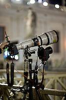 Città del vaticano, 13 Marzo, 2013. Obiettivi puntati sulla loggia della Basilica di San Pietro da dove il Papa Francesco appena eletto si affaccerà per il suo primo saluto ai fedeli