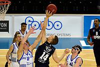 ZWOLLE - Basketbal, Landstede - Donar, Halve finale beker, seizoen 2017-2018, 18-02-2018, Donar speler Thomas Koenes in duel met Landstede speler Ralf de Pagter